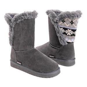 NWT Muk Luks Carey Faux Fur Boots in Size 8